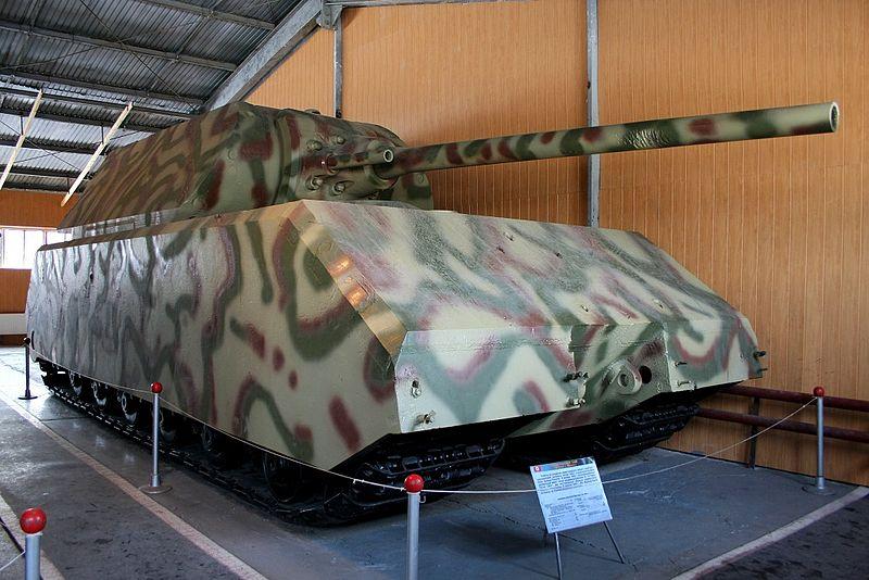 """了解""""陆上巡洋舰""""之前,我们先来看看纳粹的另一个超重型坦克,鼠式坦克"""