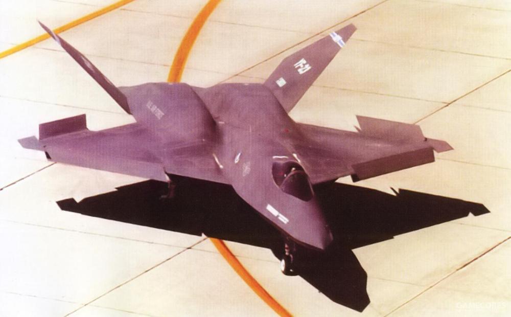YF-23并没有传统的减速板结构,降落时,主翼后缘的副翼与前后缘襟翼会分别向上下弯折以发挥必要的减速作用。全动式尾翼根部几乎与主翼面根部紧邻,这样的近距离耦合式(close couple)设计使得主翼面与尾翼间产生互相作用的流场。这样的设计使得俯仰与偏航运动时拥有较低的惯性力矩与阻力,配合静不稳定性设计,机体能够迅速的改变姿态。这是直接继承CDI阶段敏捷战斗机(AMF)的成果