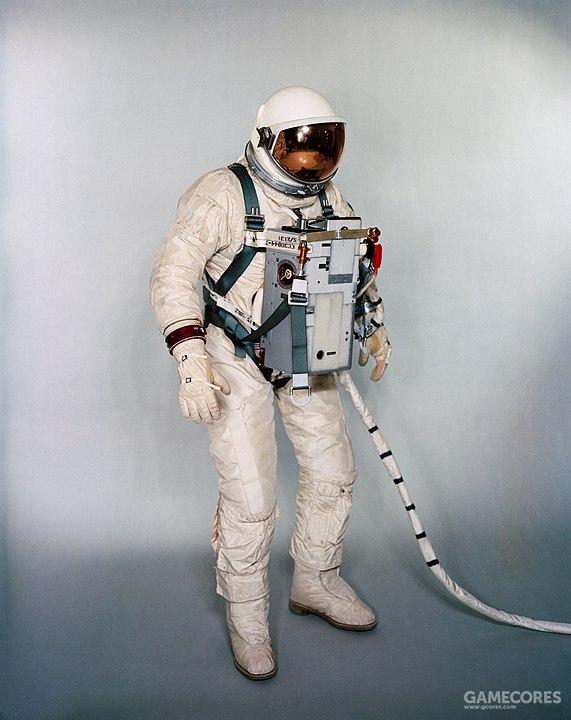 双子星计划中的宇航服