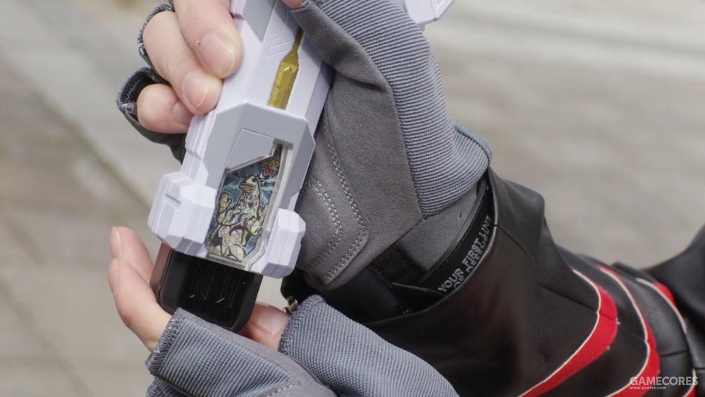 枪形态可以装填怪兽超越之钥,打出强力一击