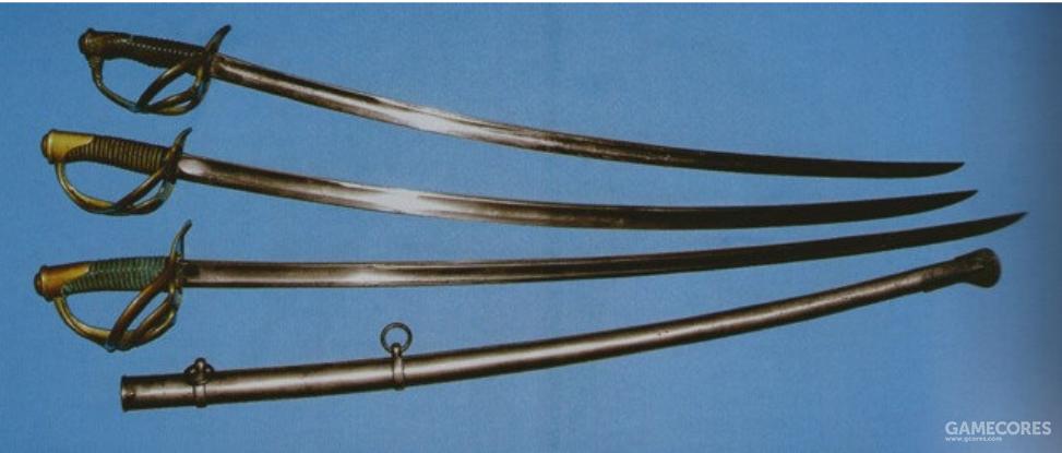 1822年的法国重骑兵剑(上)、轻骑兵剑(中)和军官剑(下)