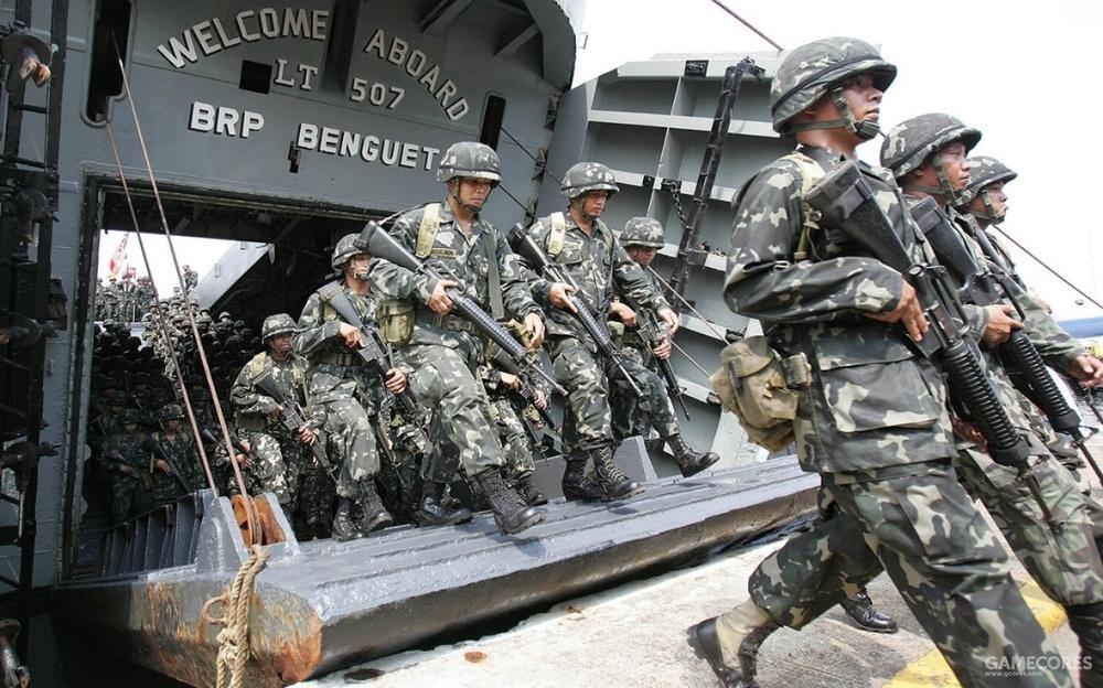 使用ALICE装具的菲律宾士兵