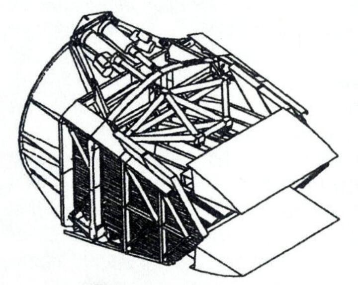 两种发动机的矢量推进喷口设计有较大区别。YF120上搭载的矢量推进喷口只有内唇板连接于发动机尾部,外唇板固定于机体尾部。