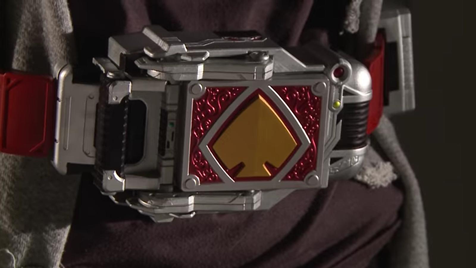"CSM 版假面骑士 Blade 套装正式开订,""剑崎一真本人""演示玩法"