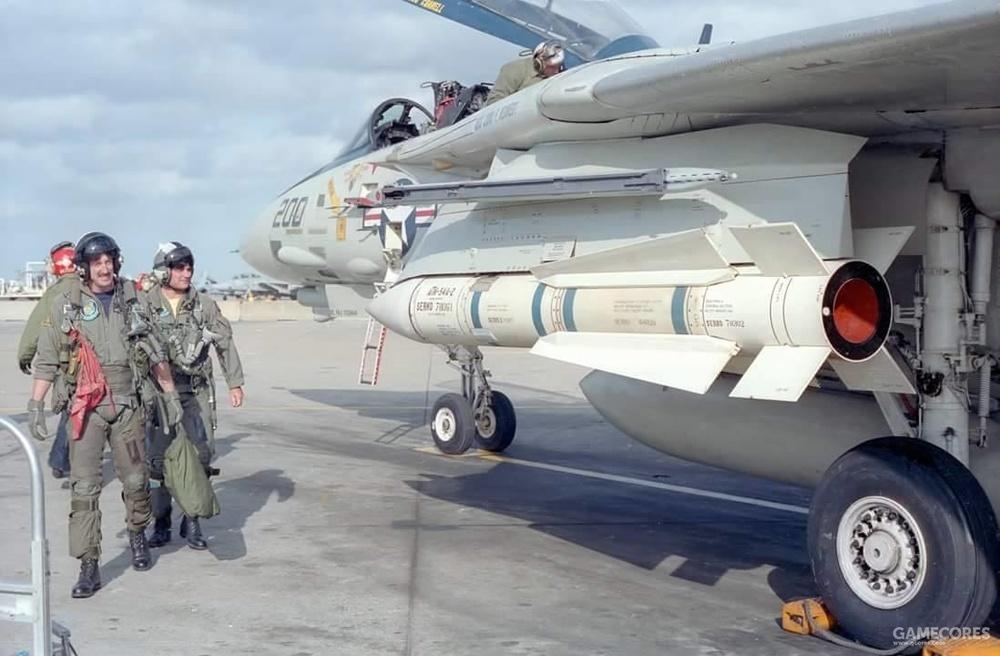 美军原产AIM-54