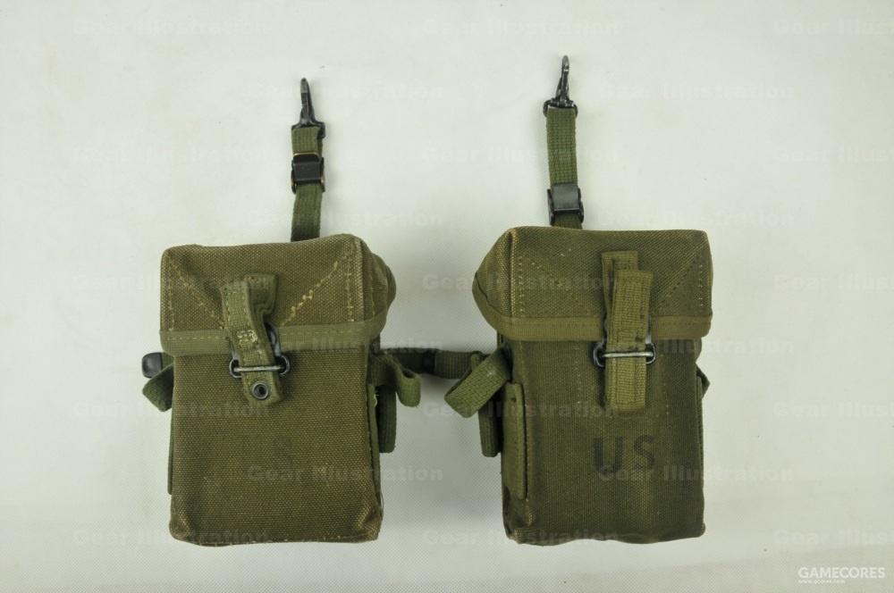 M-1956 LCE装具的M-14步枪弹匣包,左边是早期版,右边是后期版