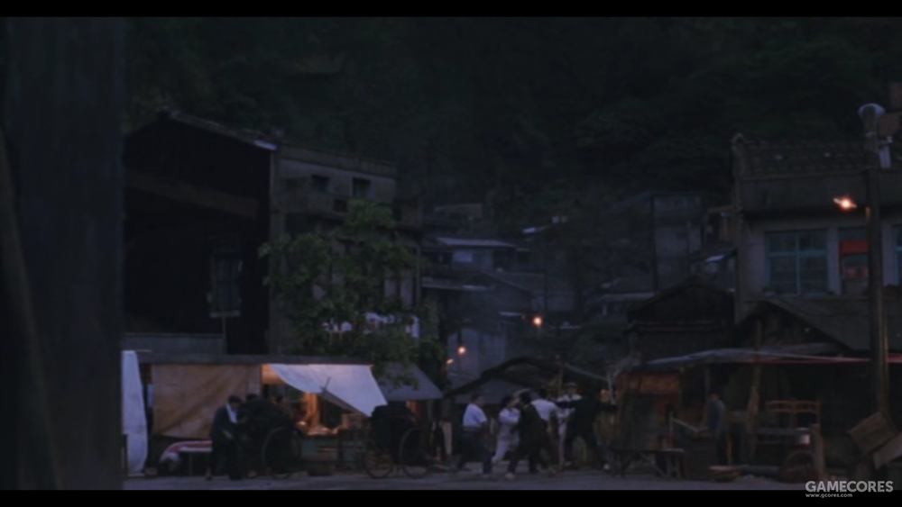哪怕是激烈的打斗镜头,《悲情城市》依旧坚持这种特殊的设计