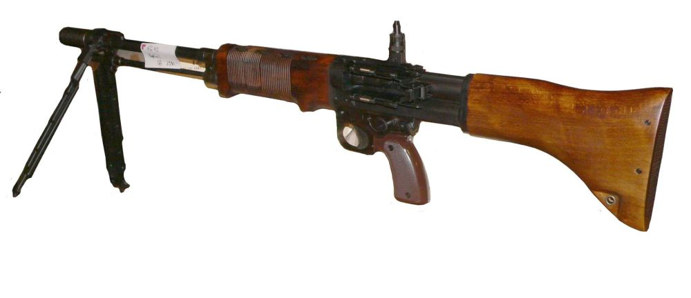 FG42伞兵枪,也算是突击步枪的先祖