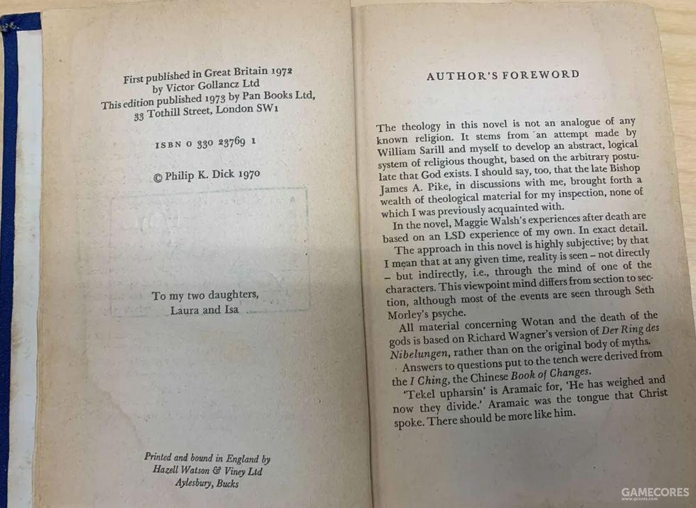版权页给两个女儿的献词,右边是作者前言(中文版未收录)