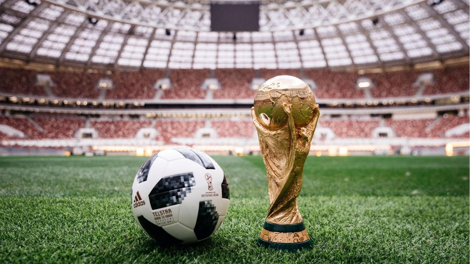 俄羅斯世界盃用球公佈了,這讓我想起在《FIFA 2002》裡踢的飛火流星
