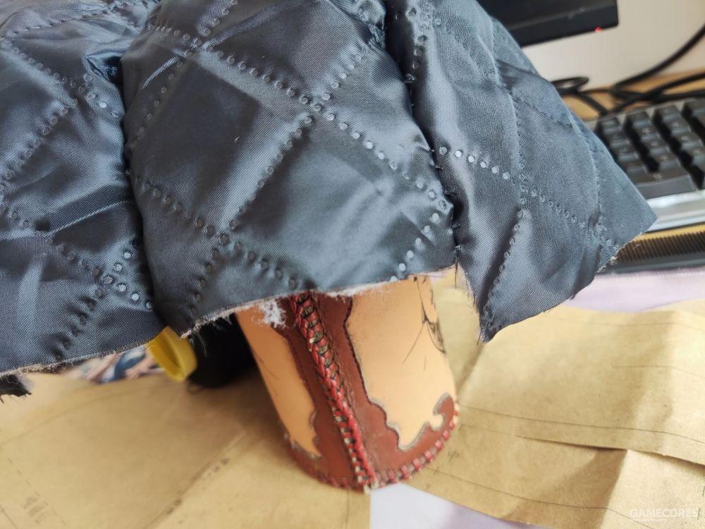 这就是没仔细研究纸样的后果,没有按照该缝的那条线去缝,尺寸就错了,只能拆了重新做