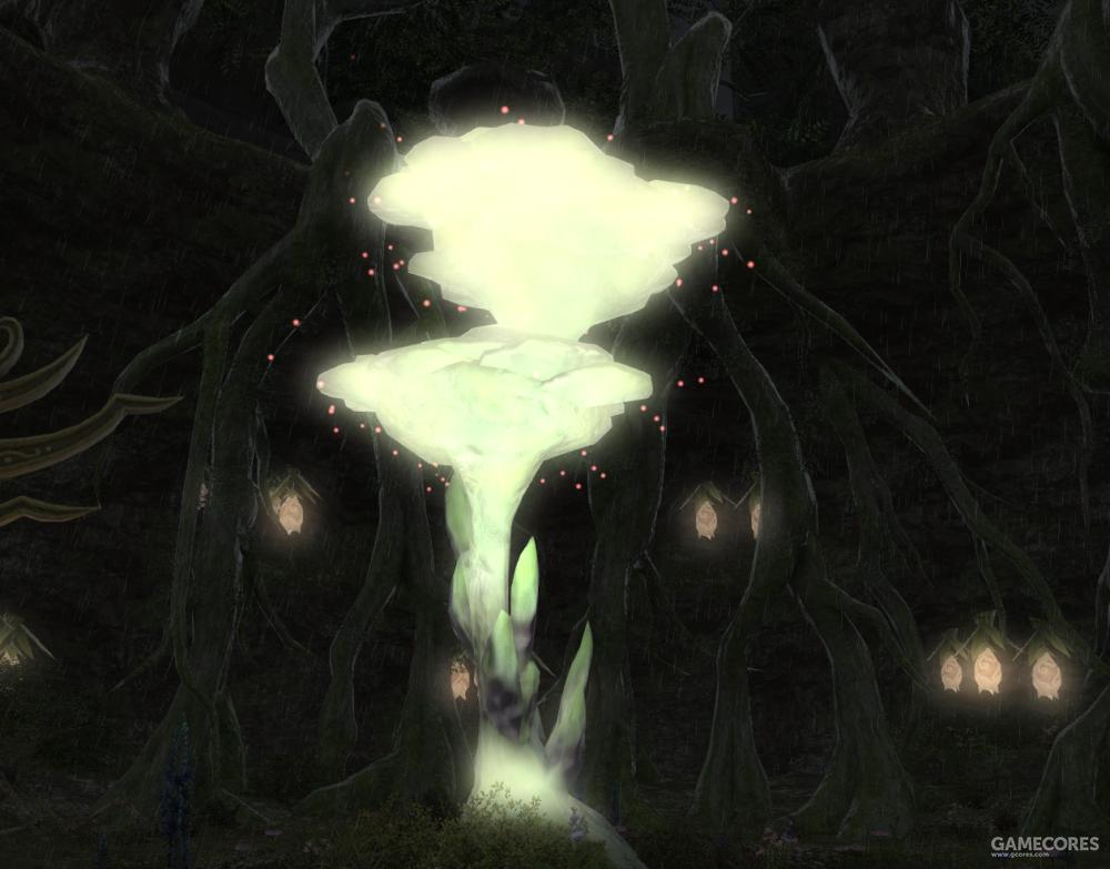 """妖精的种子需要在被称作摇篮的茧里进行成长,而能够孕育出""""摇篮""""的则只有这棵大树。没有这棵树,妖精族就无法繁行,这棵树的重要性由此可见一斑。周围生长的月芽可以发出淡淡的如同月光般的光, 仿佛是在守护着这棵大树。"""