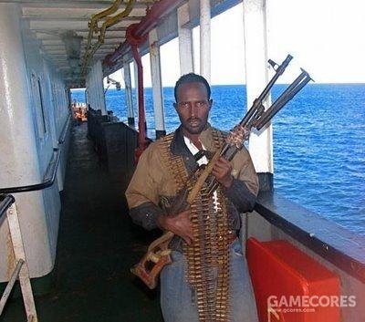 携带自动武器的海盗