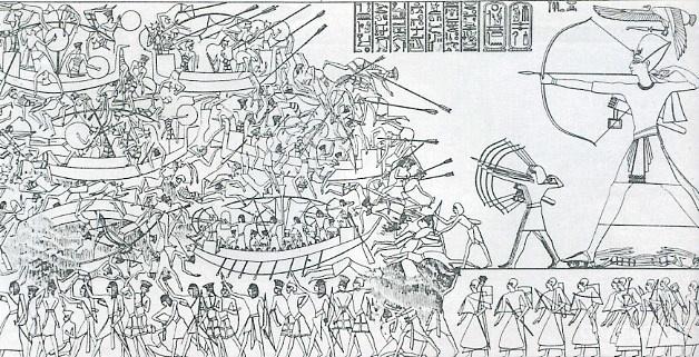 """梅迪内哈布东北城墙上记录拉美西斯三世同""""海上民族""""作战的浮雕"""
