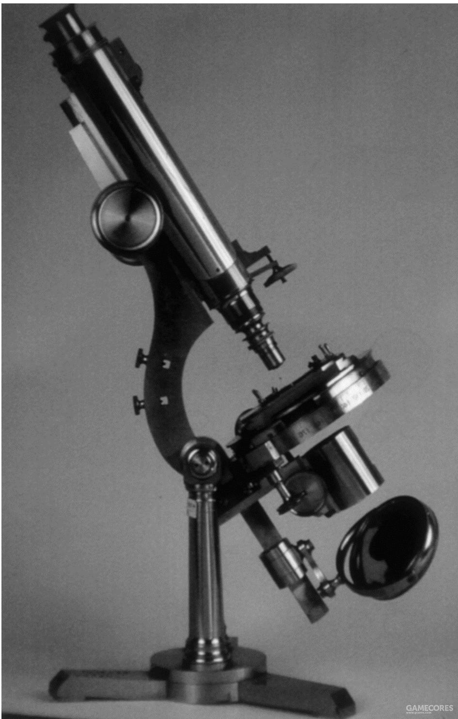 李斯特的显微镜,现存于伦敦的Royal College of Surgeons