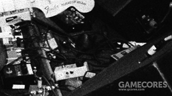 2006录音期间 Thom 的效果器板。复杂的 Holy Grail 在这张照片的右边可以看到。