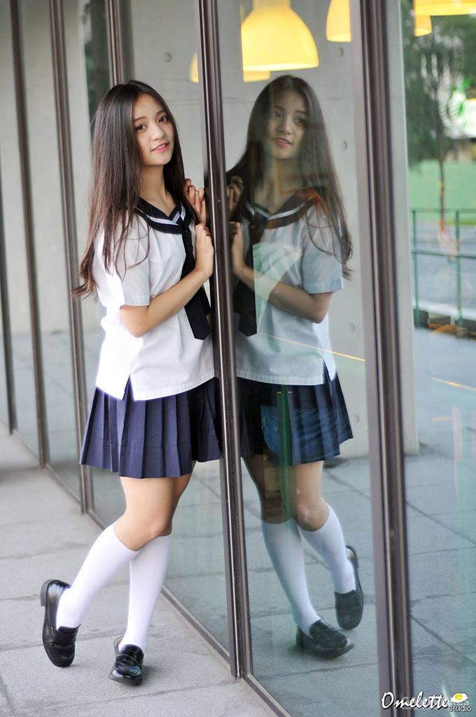 與筆者同縣市的治平高中  當時國中女生都想穿上她們的水手服