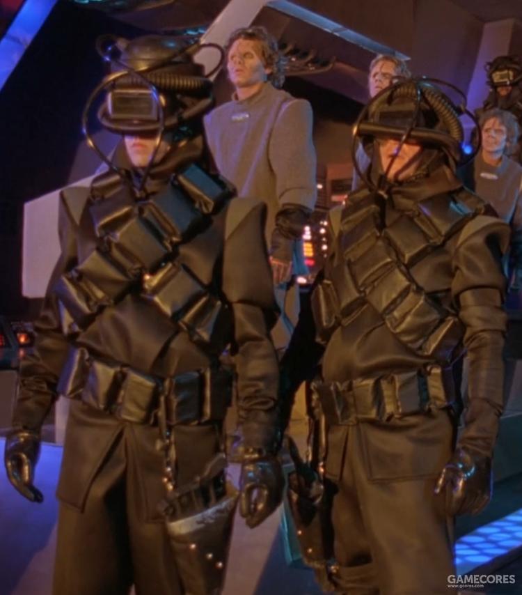 """这造型是真的雷人,有点再早20年的地摊科幻里那种""""紧身衣鱼缸盔""""的味道了"""