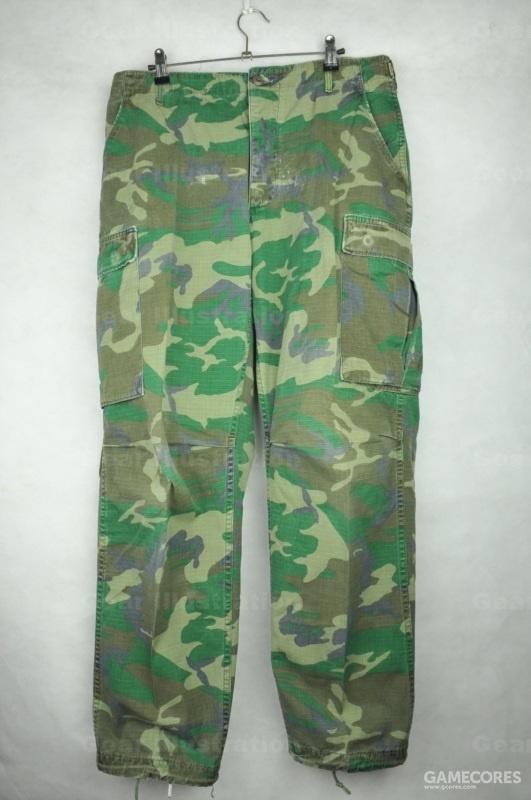 早期版裤子正面