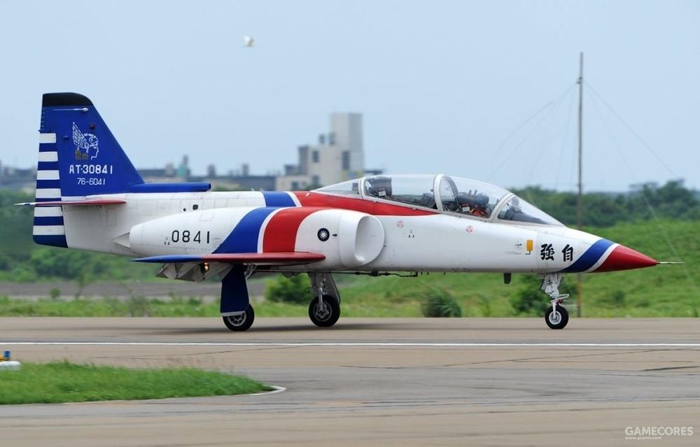 传闻该飞机的原型是台湾的AIDC AT-3教练机