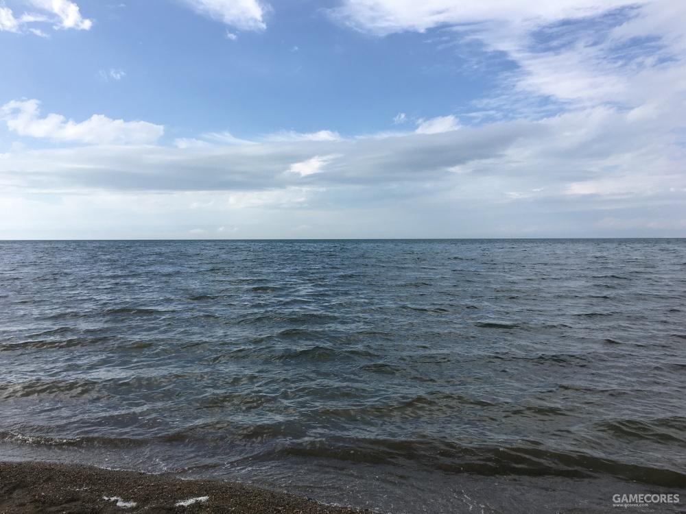 真的特别大,到最后我们都不说湖边而是说海边