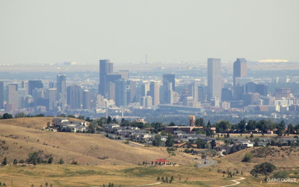 从红石露天剧场远眺地平线上的丹佛市