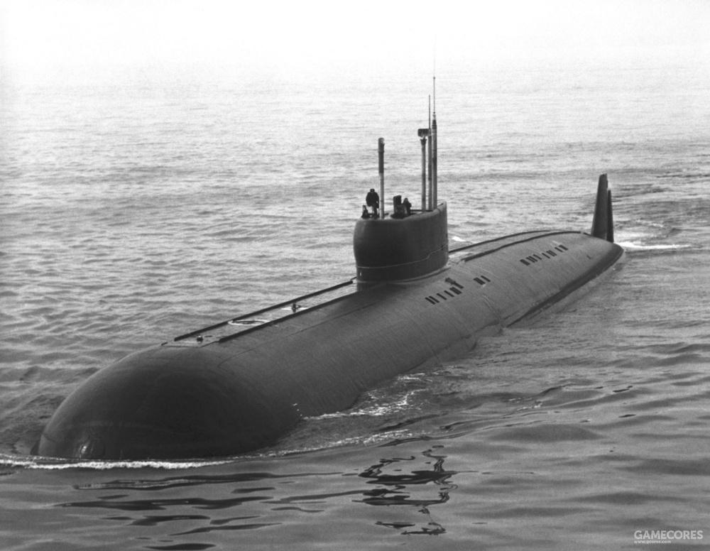 """K-222号潜艇,由于过高的成本又被称为""""金鱼"""""""