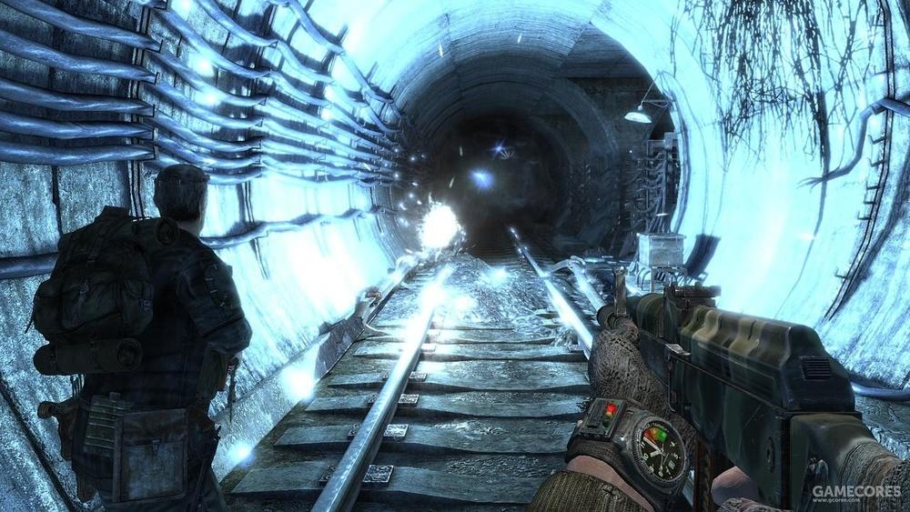 游戏叙事上比如《地铁2033》,开场先给出阿尔乔姆到达地表遭遇袭击的场景,游戏的大部分内容都是阿囧对自己到达地表整个过程的回顾。