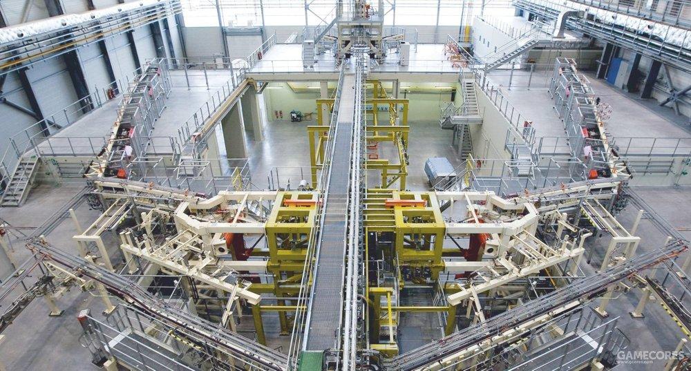 """铁鸟试验台全称""""飞控液压系统综合试验台架""""。即在一架虽然只有骨架,但按真机设计安装完整飞控系统相关硬件的试验台上检测整套飞控系统的运作情况。如今已经是各种型号飞机研发的重要一环。图为空客搭建的铁鸟试验台。"""