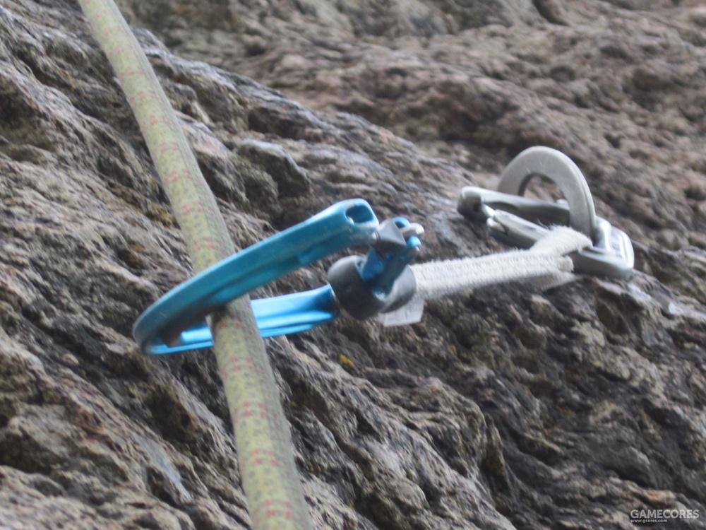 挂片,主绳以及快挂的连接方式