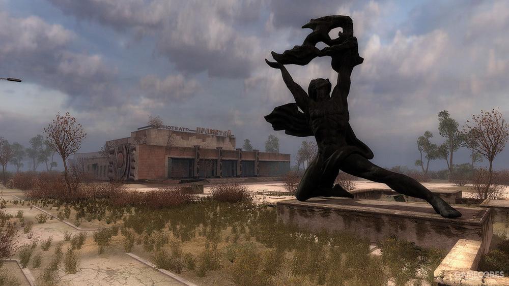 擎天火的普罗米修斯像。这是在潜行者系列第三作'普里皮亚季的呼唤'里,后景是普罗米修斯剧院。