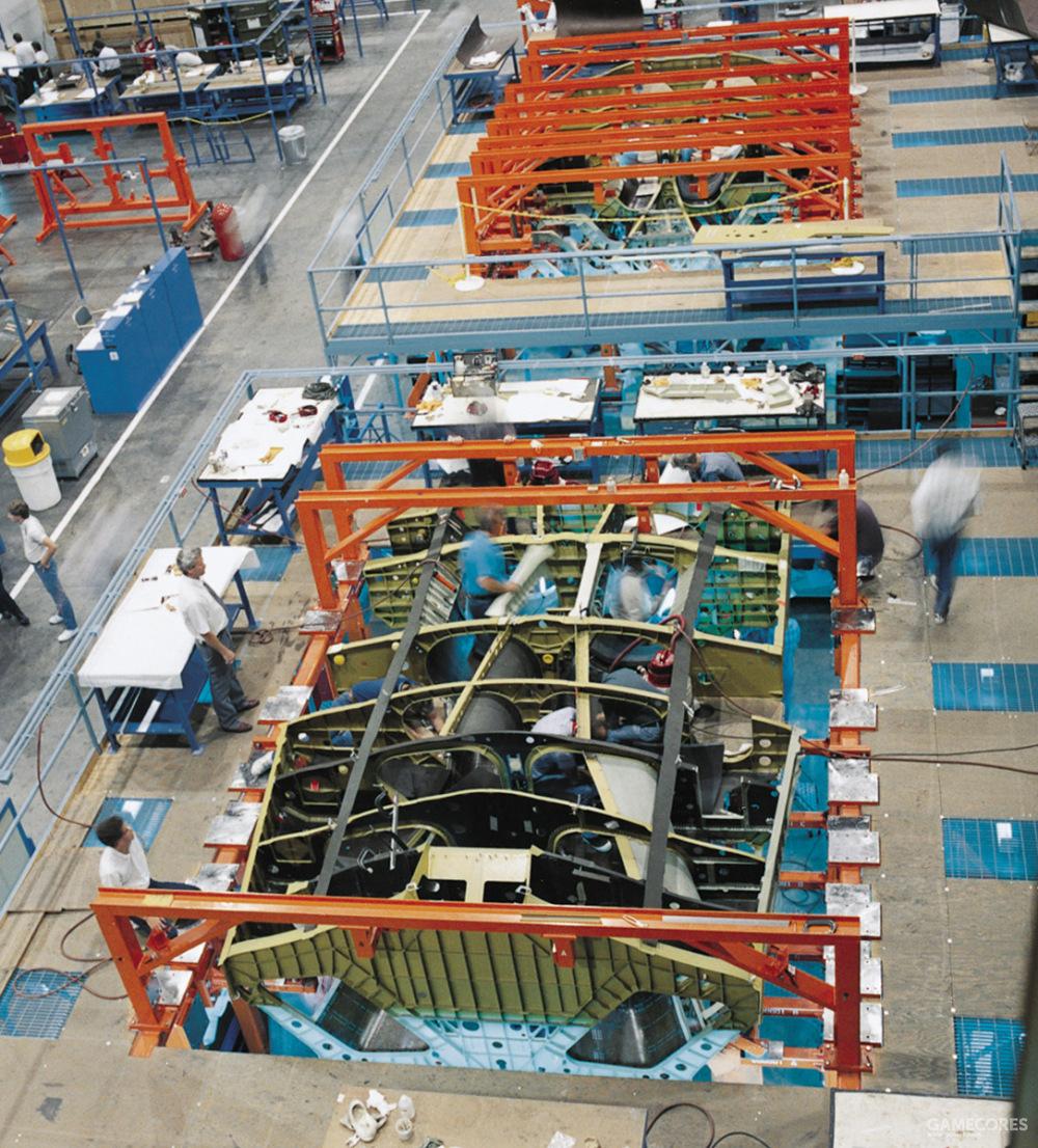 通用动力负责中段机身与尾翼制造。同时武器系统、起落架、飞控系统在内大部分子系统的开发制造也是有通用动力负责的。