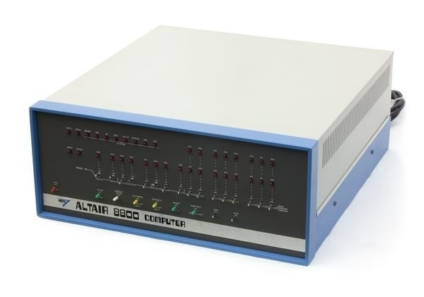 组装好的 Altair 8800