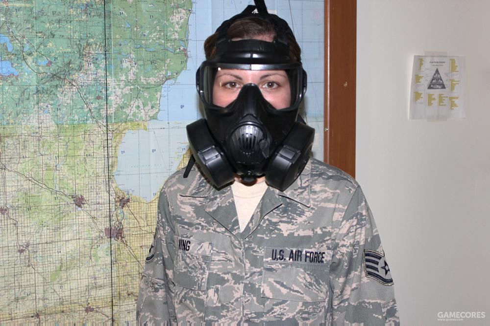 美军现役的M50型防毒面具