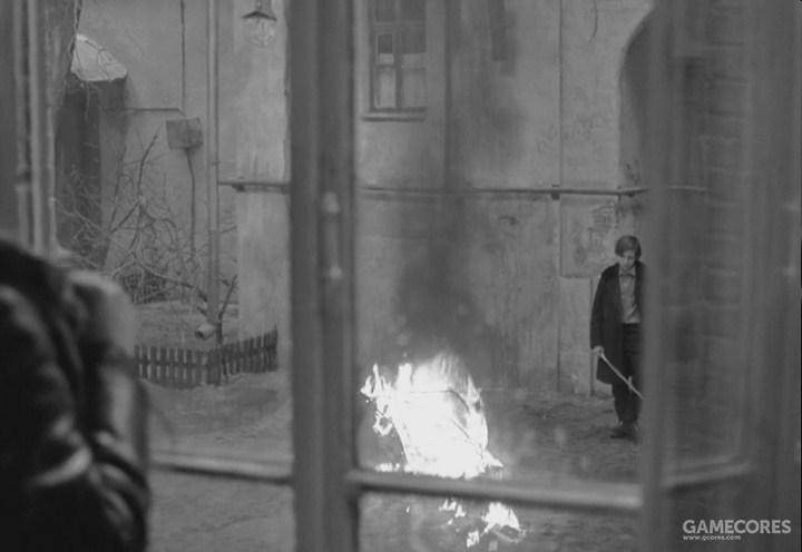 天井中被焚烧的书