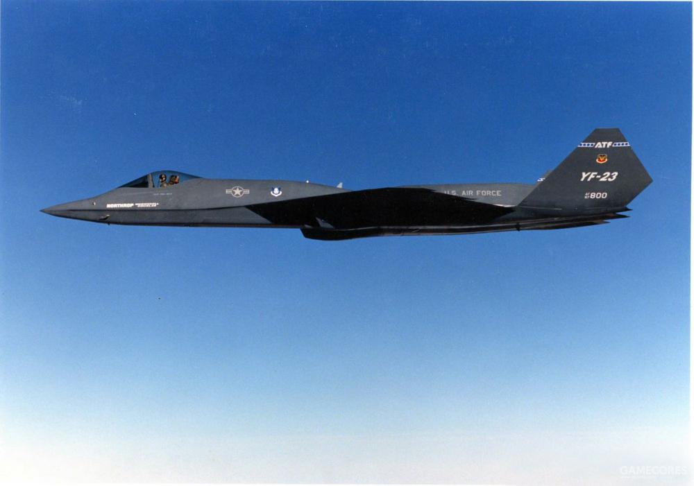 """YF-23并未在机尾喷涂FAA给出的民航编号。而只是在机身上标注""""美国空军""""与空军给予的机体序号,"""
