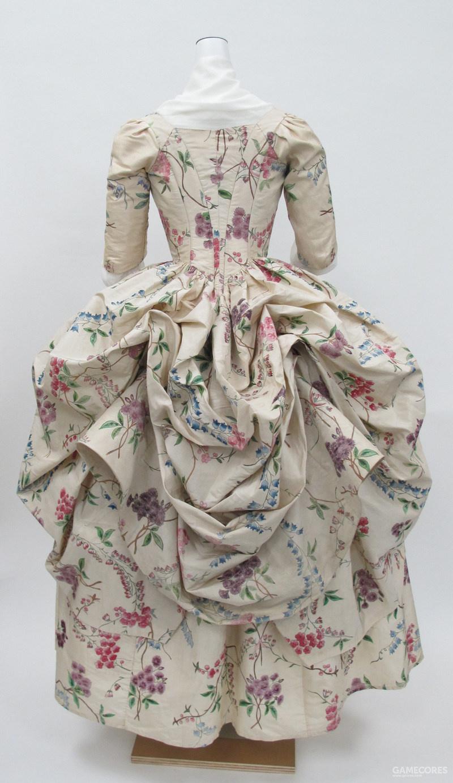 Robe à la Polonaise, c 1780 (MET))