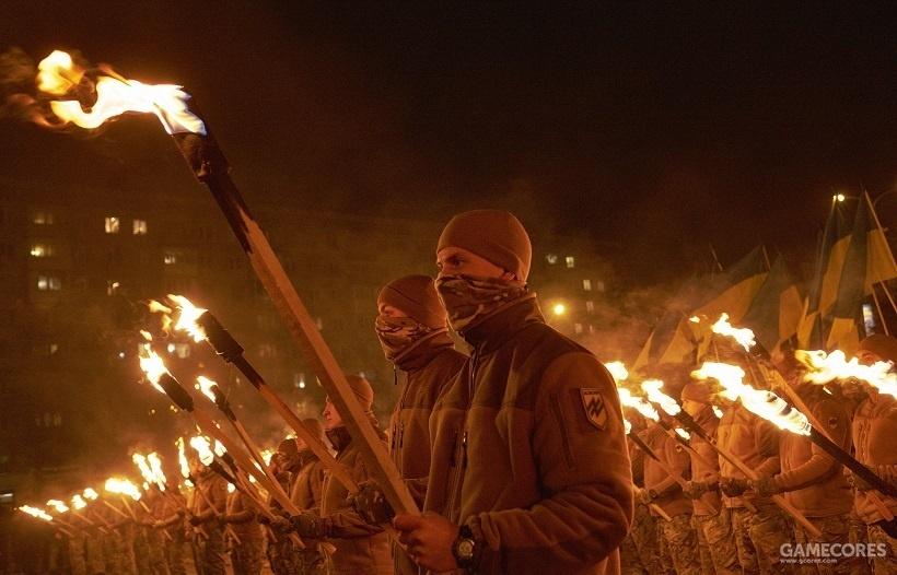 """极端民族分子""""亚速""""成员集会,马里乌波尔,乌克兰"""