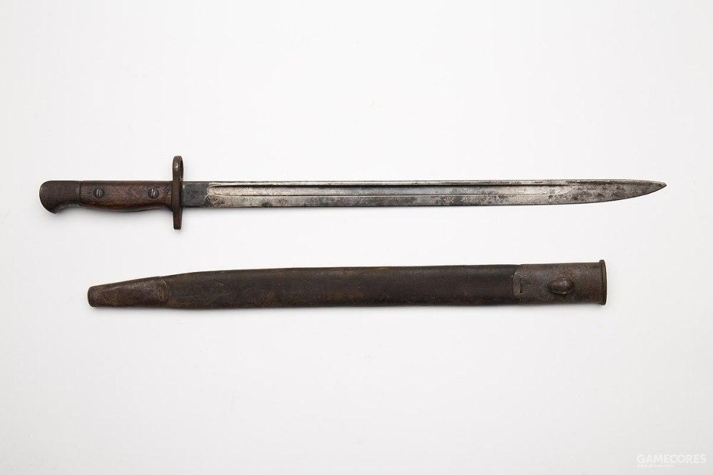 英国1907型剑刺刀,配备恩菲尔德步枪。不过,过长的剑身在战斗中不是很可靠