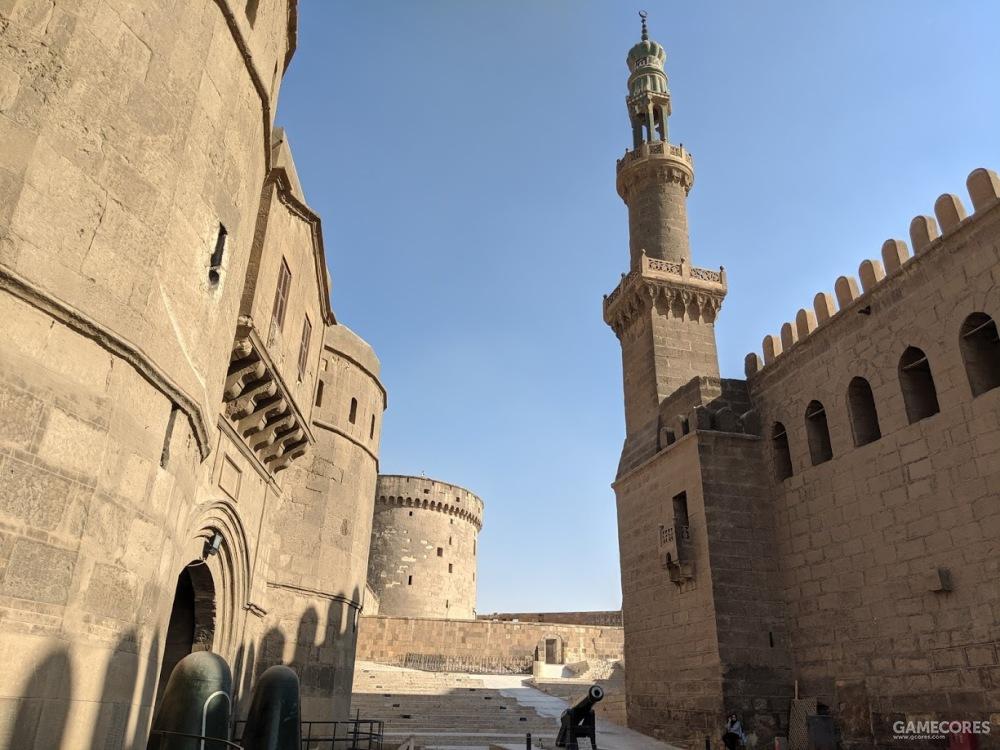 古拉门开在纳赛尔清真寺侧面