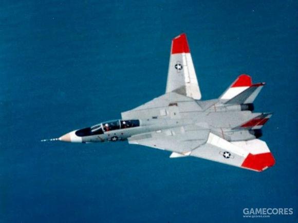 正在测试不对称变形的F-14原型机3号机,这架飞机还出现在2代游戏封面上