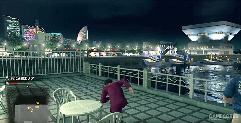 《人中之龙7》游戏中的场景:Lawson便利店休息处附近