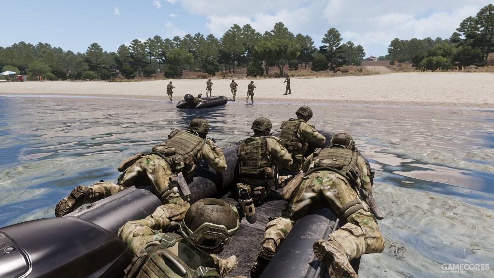 乘坐冲锋舟登陆的美军士兵