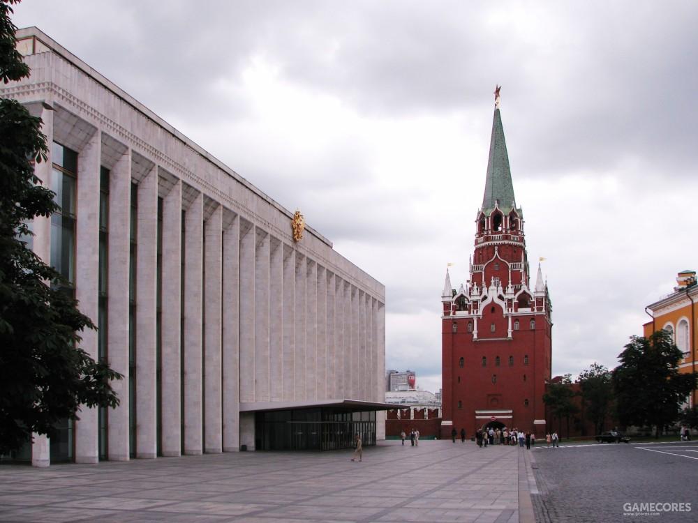 另一视角,图中红色建筑即为来时入口,圣三一塔,此图来源于维基百科
