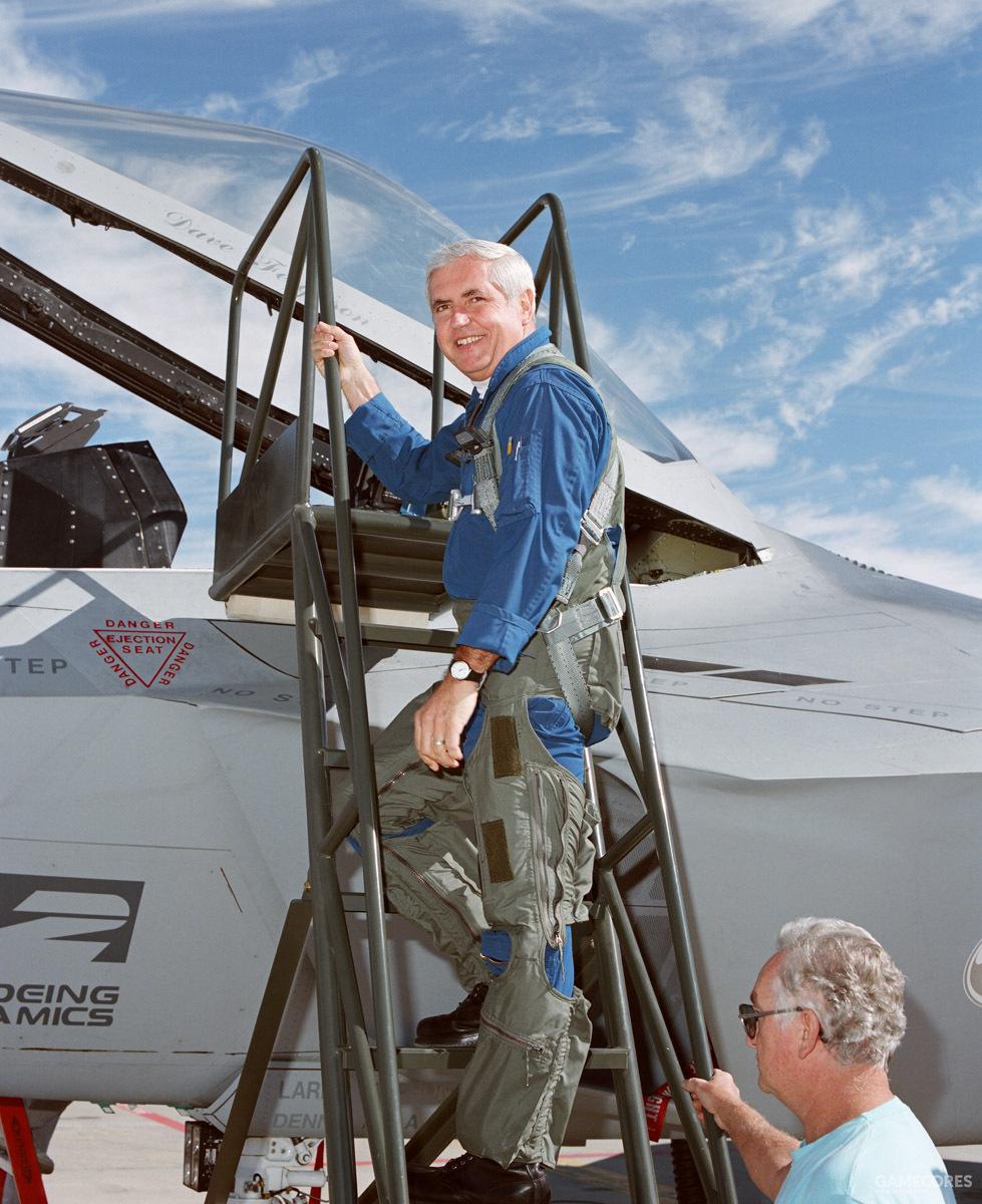 洛克希德试飞员戴夫·弗格森 (Dave Ferguson) 执行了这次首飞任务。