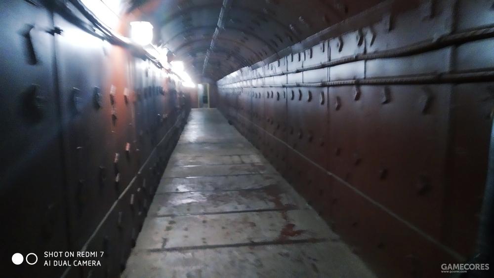 厚重的铸铁墙壁及地板
