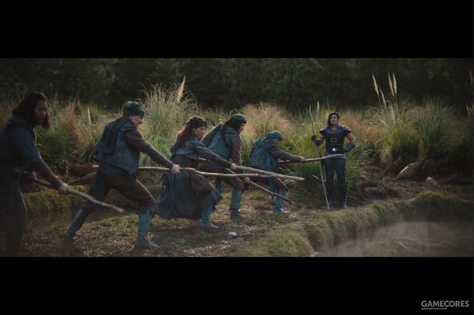 《曼达洛人》第三集,村民接受训练以迎击掠夺村庄的克拉图因人