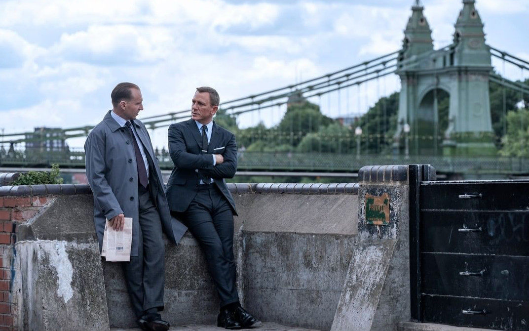 《007:无暇赴死》发布全新预告,11月起全球上映