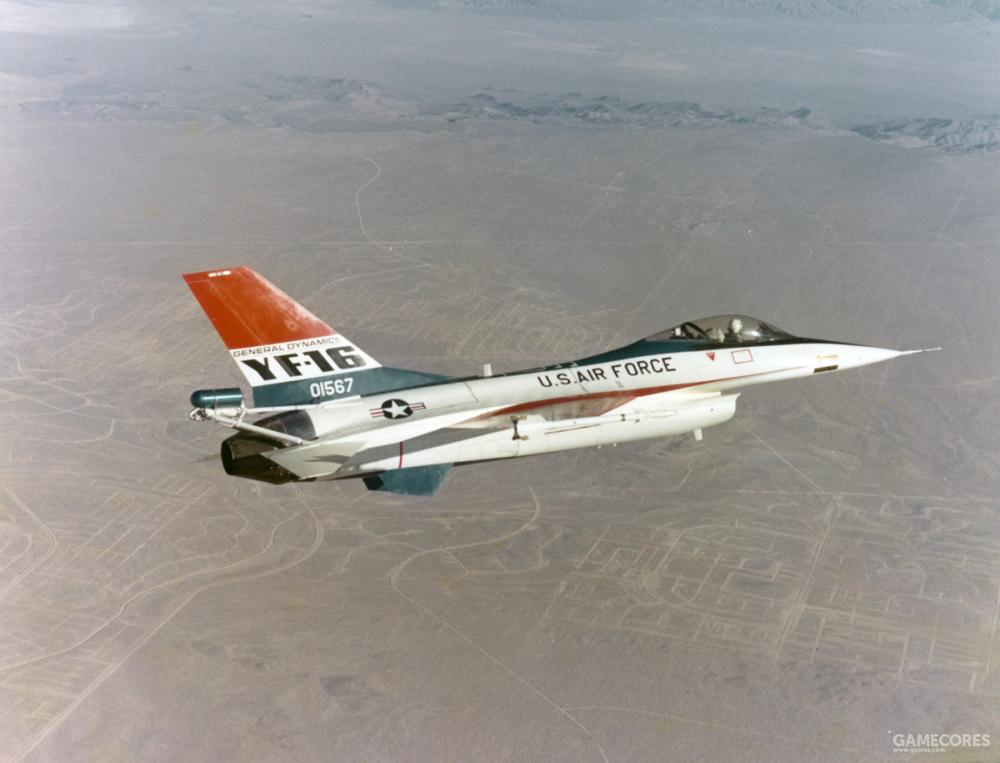 对于原型机与试验机等飞行性能未知的机型,安装反尾旋伞是必要的安全手段,如YF-16在试飞中就曾陷入无法控制的尾旋状态,最后通过反尾旋伞成功改出,化险为夷。