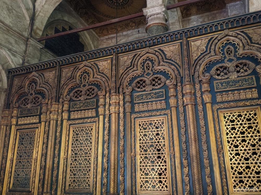 穆罕默德·阿里的大理石棺就安放在这后边,但是没有开放参观